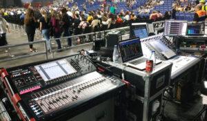 Puesto de control con mesas DiGiCo en concierto de Rozalén en Wizink Center